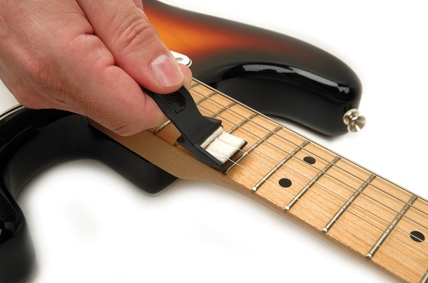D'Addario/Planet Waves のギターストリングクリーナー、Renew Stringsが新登場!